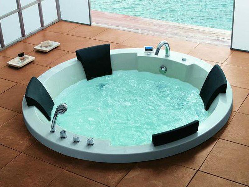traum xl 4 pers whirlpool montana 183x183 badewanne uvp wohnwelten24h wohnwelten24h. Black Bedroom Furniture Sets. Home Design Ideas